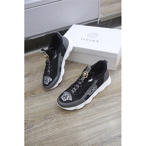 Versace Casual Shoes For Men #798622