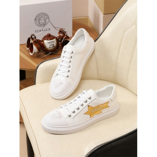 Versace Casual Shoes For Men #798673
