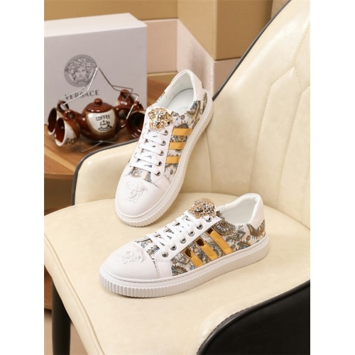 Versace Casual Shoes For Men #798676
