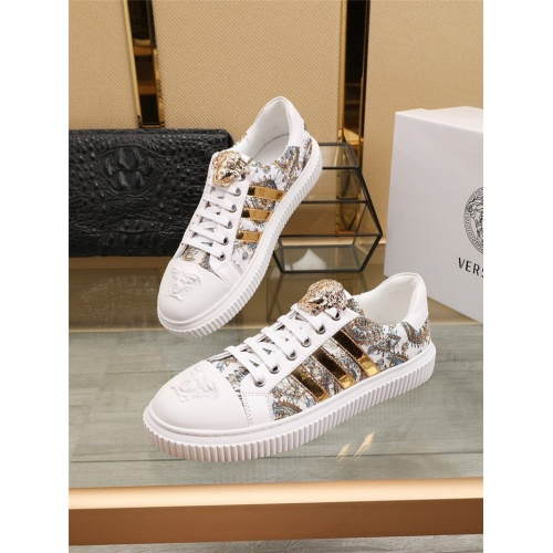 Versace Casual Shoes For Men #798726
