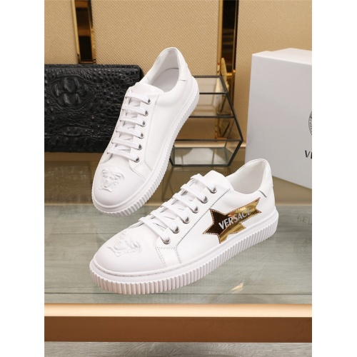 Versace Casual Shoes For Men #798732