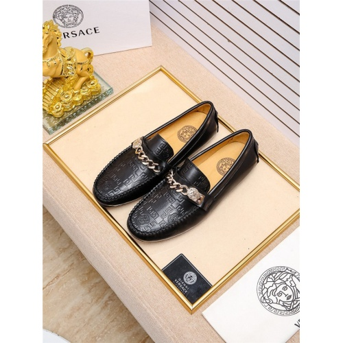 Versace Casual Shoes For Men #798929