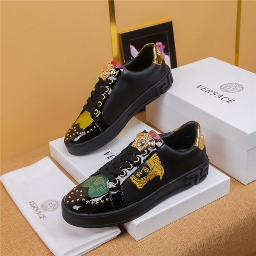 Versace Casual Shoes For Men #799131