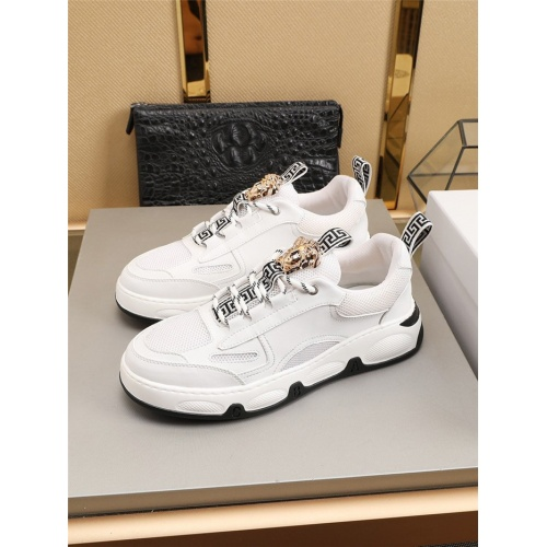 Versace Casual Shoes For Men #799180