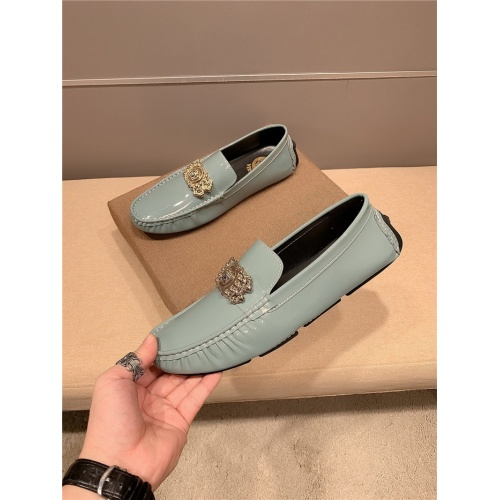 Versace Casual Shoes For Men #799580
