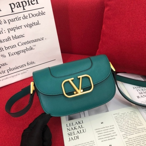 Valentino AAA Quality Messenger Bags For Women #799874