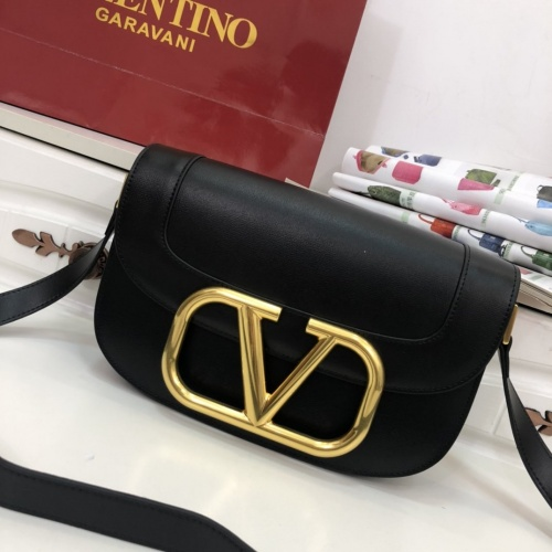 Valentino AAA Quality Messenger Bags For Women #799880