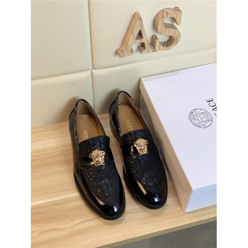 Versace Leather Shoes For Men #799989
