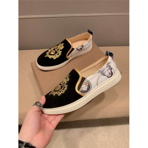 Versace Casual Shoes For Men #800002