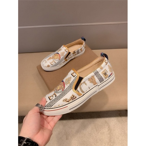 Versace Casual Shoes For Men #800039