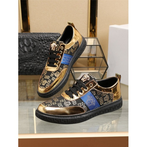 Versace Casual Shoes For Men #800057