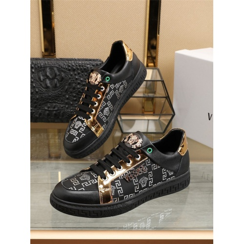 Versace Casual Shoes For Men #800058