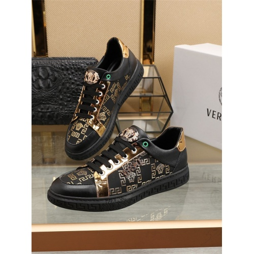 Versace Casual Shoes For Men #800059