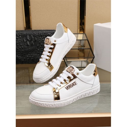 Versace Casual Shoes For Men #800060