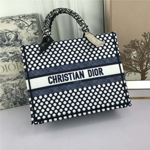 Christian Dior AAA Tote-Handbags For Women #800607