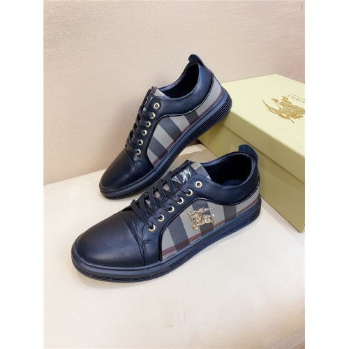 Burberry Casual Shoes For Men #800675