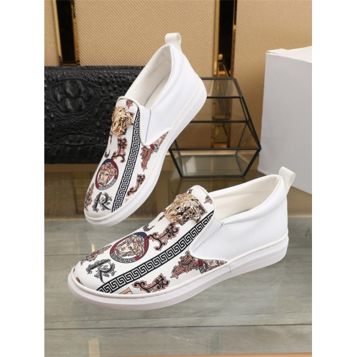 Versace Casual Shoes For Men #801759