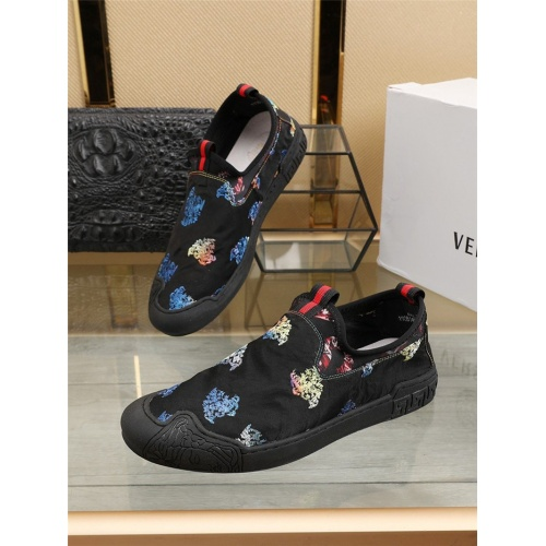 Versace Casual Shoes For Men #801763