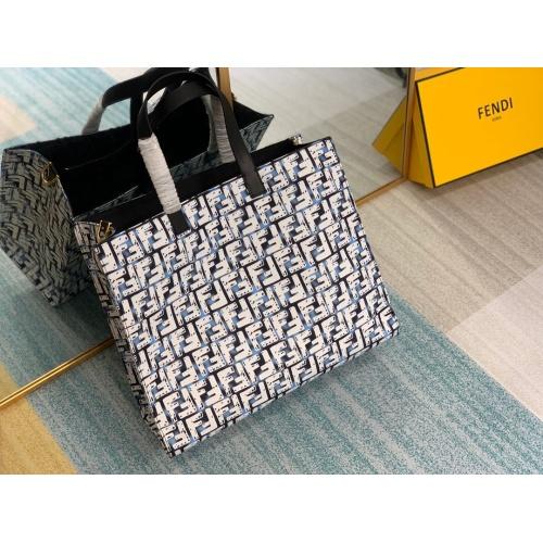Fendi AAA Quality Handbags For Women #802423