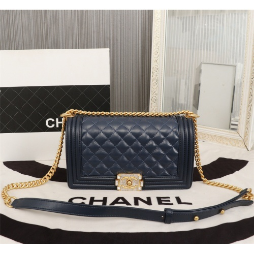 Chanel AAA Messenger Bags For Women #802429