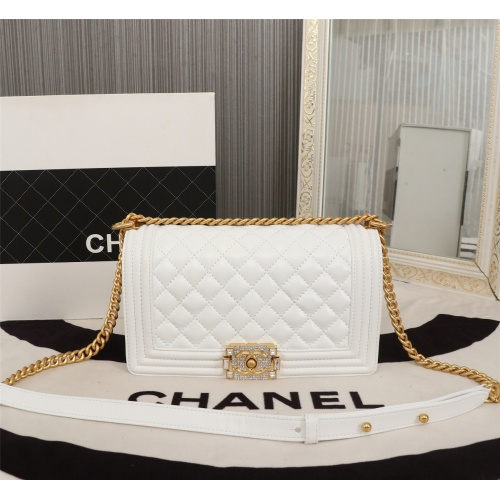 Chanel AAA Messenger Bags For Women #802433