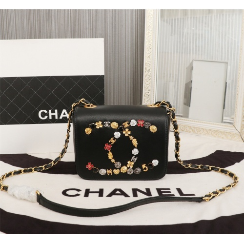 Chanel AAA Messenger Bags For Women #802434