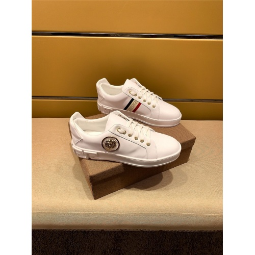 Versace Casual Shoes For Men #802733