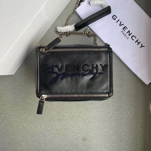 Givenchy AAA Quality Messenger Bags For Women #802850