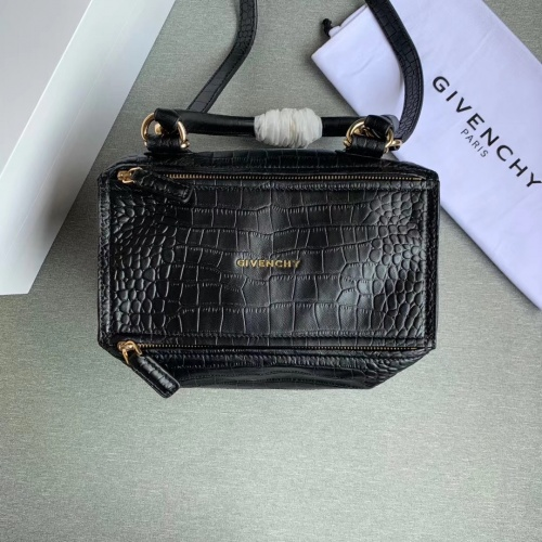 Givenchy AAA Quality Messenger Bags For Women #802853