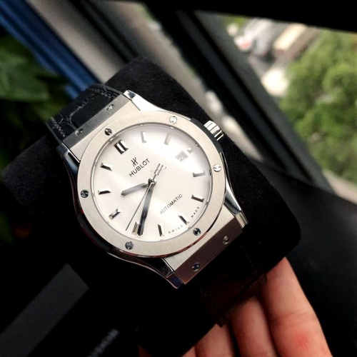 Replica HUBLOT AAA Quality Watches For Men #802856 $177.51 USD for Wholesale