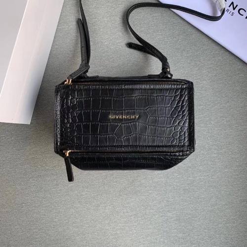 Givenchy AAA Quality Messenger Bags For Women #802857