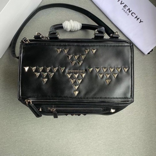 Givenchy AAA Quality Messenger Bags For Women #802864
