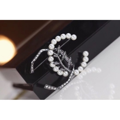 Chanel Brooches #803244
