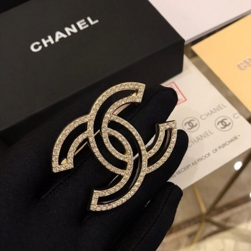 Chanel Brooches #803245