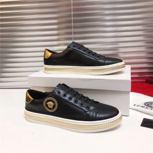 Versace Casual Shoes For Men #803603