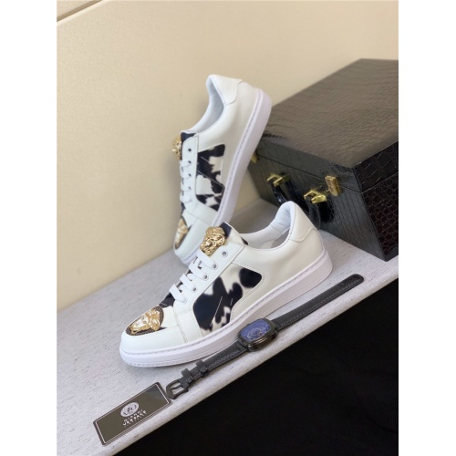 Versace Casual Shoes For Men #803659