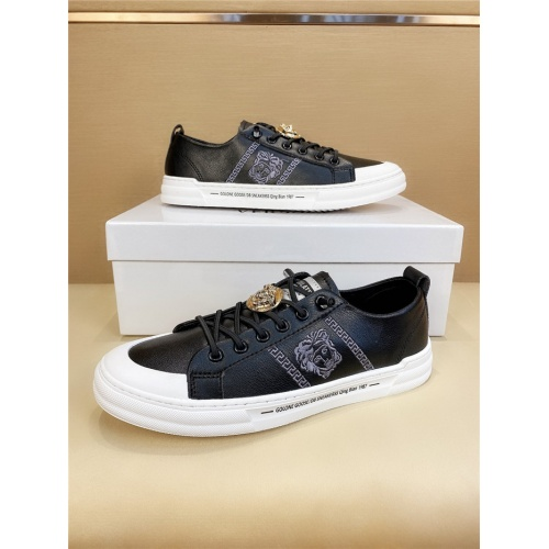 Versace Casual Shoes For Men #803977