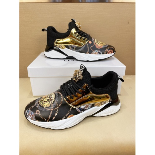 Versace Casual Shoes For Men #803979