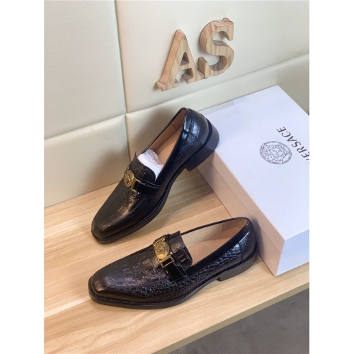 Versace Leather Shoes For Men #803980