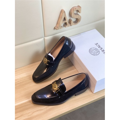Versace Leather Shoes For Men #803981