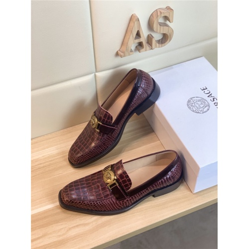 Versace Leather Shoes For Men #803982