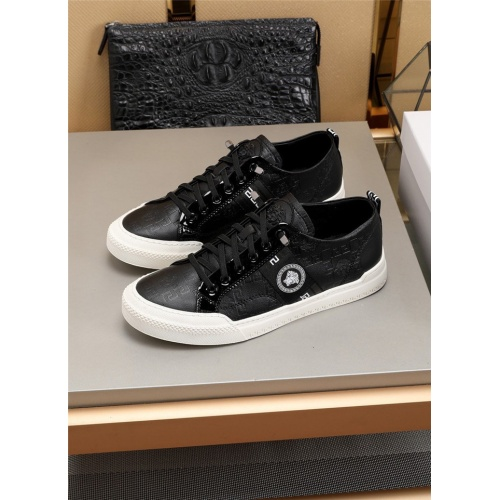 Versace Casual Shoes For Men #804064