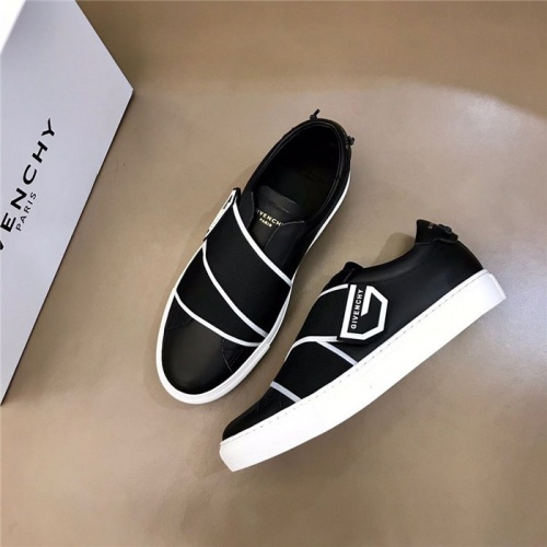 Givenchy Casual Shoes For Men #804193