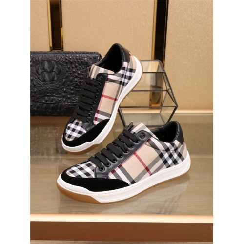 Burberry Casual Shoes For Men #804302