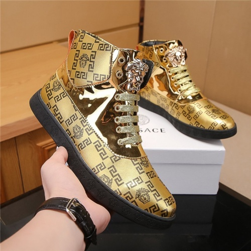 Versace High Tops Shoes For Men #804491