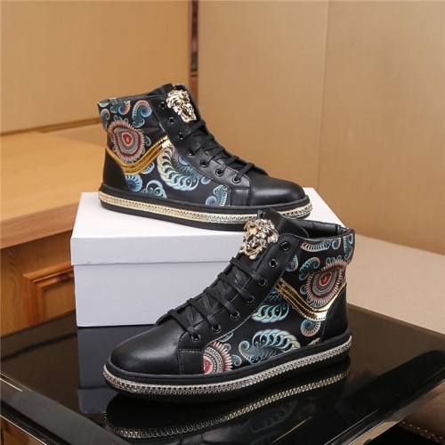 Versace High Tops Shoes For Men #804492