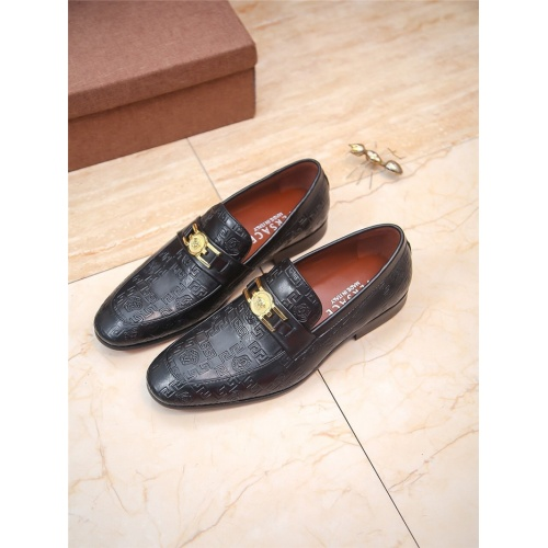 Versace Leather Shoes For Men #804774