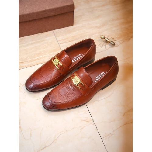 Versace Leather Shoes For Men #804775