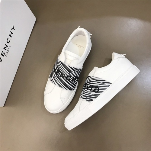Givenchy Casual Shoes For Men #805547