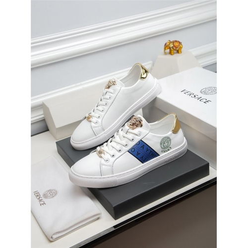 Versace Casual Shoes For Men #805669